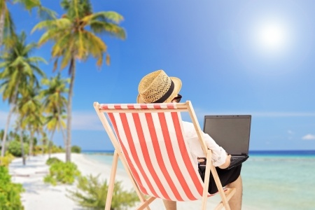 How to Become a Freelance Writer While Travelling the World