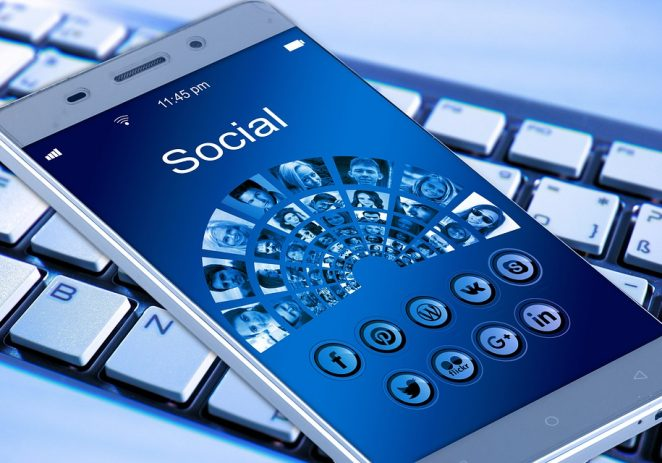 Simple, Effective Ways to Sell via Social Media